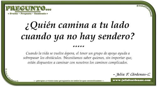 Pregunto… Tarjeta de pregunta y respuesta en Español como reflexiones sobre la vida acerca de amistad y hermandad. @JuliaFCardenasC